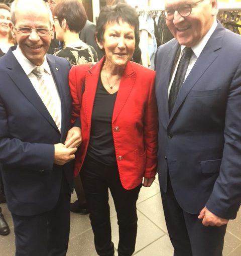 Karl-Heinz und Erika Wange mit Dr. Frank-Walter Steinmeier nach der Verleihung der Ehrendoktorwürde der Universität Paderborn am 19.12.2016