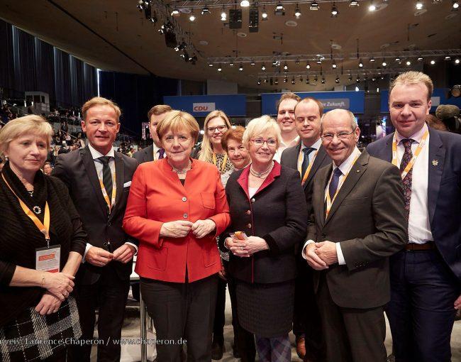 Delegierte des Kreisverbandes Paderborn mit der neugewählten Bundesvorsitzenden Dr. Angela Merkel
